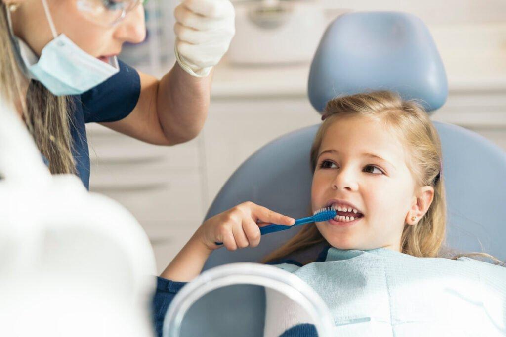 Deciji stomatolog će vam uvek istaći važnost pravilnog održavanja higijene kod vašeg mališana.